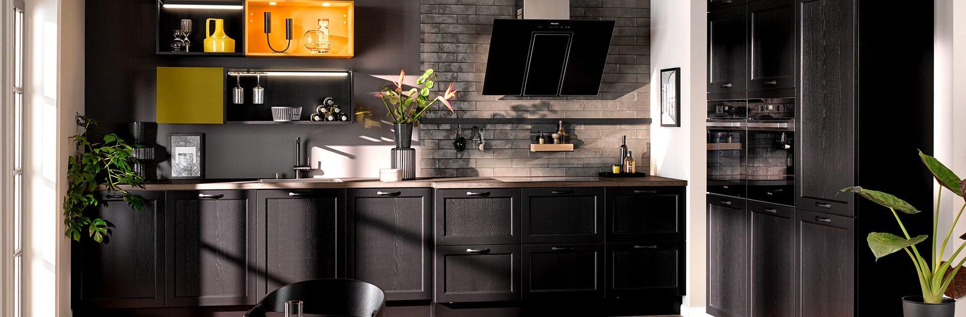 Keukentrend 2021 - mat zwarte keuken | Satink Keukens