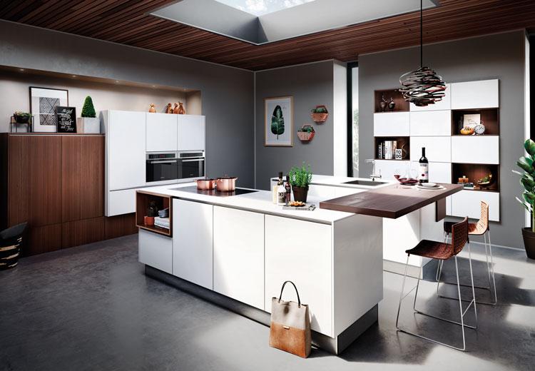 Witte u-keuken met bar | Satink Keukens